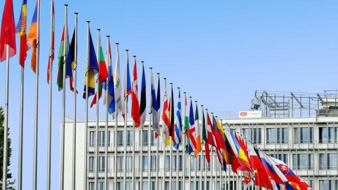Die Flaggen der EU-Länder